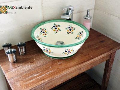 <p>Waschbecken im Landhaustil handbemalt aus Mexiko – Modell MEX4 Motiv: Pensamiento</p> <p></p>