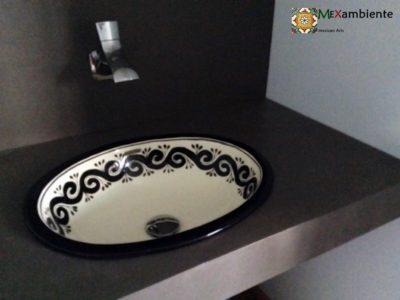 <p>schwarz und elegant: unserDesign-Waschbecken mit schwarzem Muster Ola Negraeignet sich optimal für individuelles, zeitgemäßes Bad-Design und macht auch eine tolle Figur auf sehr modernen Wachtisch-Oberflächen.</p>
