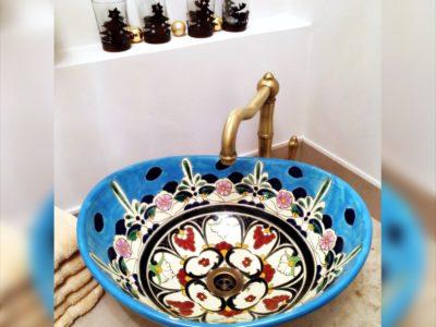 <p>Waschbecken aus Mexiko Design Tulum oval in türkis</p> <p>Aufsatzwaschbecken MEX7 oval Türkis von Mexambiente</p>