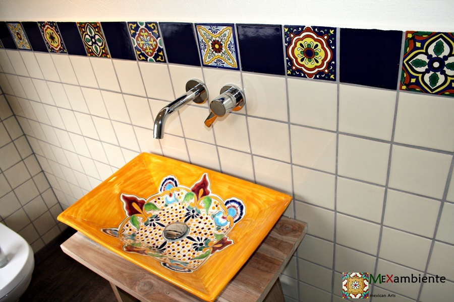bunte mexikanische fliesen & waschbecken