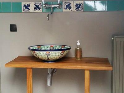 <p>Waschschale aus Mexiko Pasion mit floralem Muster und Bordüre Fliesen in 11&#215;11 cm von Mexambiente</p>